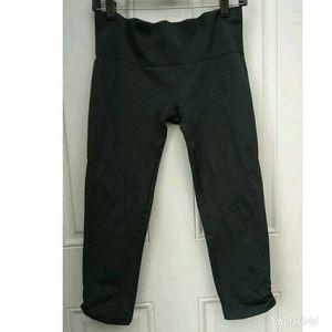 Lululemon Ebb to Flow Crop leggings 10
